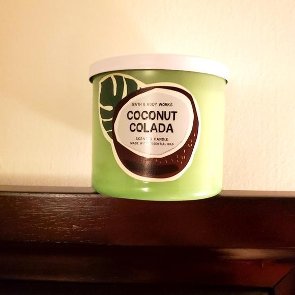 Bath & Body Works Coconut Colada 3 Wick Candle